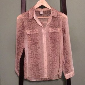 Old Navy Sheer snakeskin button down blouse Sz XS